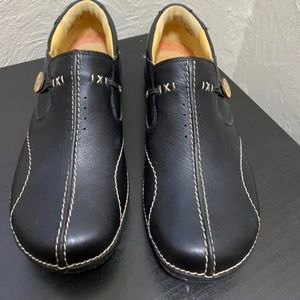 Clark's Black Unstructured Loafers